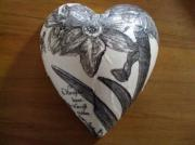 Pure-Ceramic-Decoupage-Heart-Peony-Charcoal