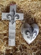 Ceramic-Decoupage-Cross-and-Heart-Set-Fleur-De-Lays