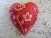 -A-Pure-Ceramic-Decoupage-Heart-Patterned-red