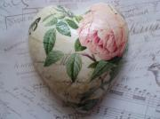 -2-Rose-Botanicals-Pink-Rose-Pure-Ceramic-Decoupage-Heart