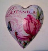 Botanica-Pure-Ceramic-Decoupage-Heart-